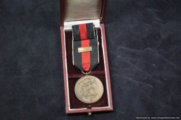 Entry into Sudentenland medal cased with prague bar