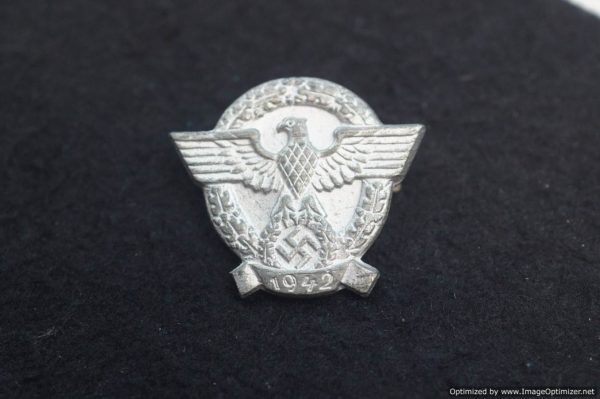 SMGL-2800 1942 Day of the Police pin