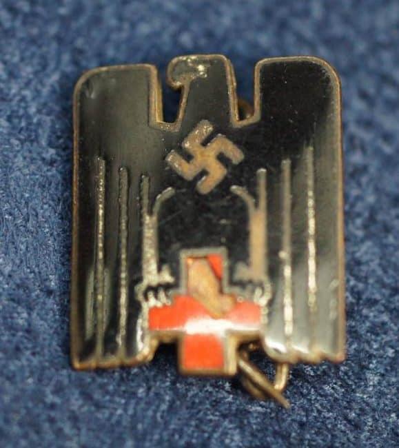 SGM-1341 DRK Red Cross pin Damaged