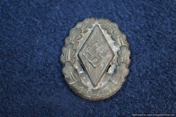 SGML-1379 HJ Meeting Pin 1943 no pin back